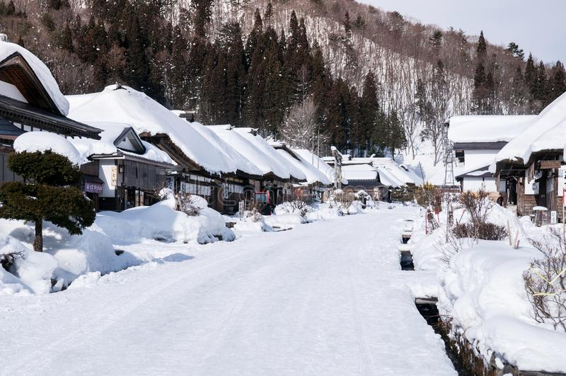 Villaggio ricoperto di paglia di Ouchi Juku della casa del tetto, Fukushima, Tohoku, Giappone fotografie stock