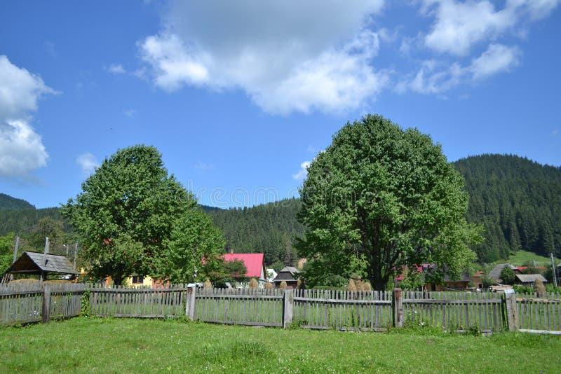 Villaggio rumeno immagini stock