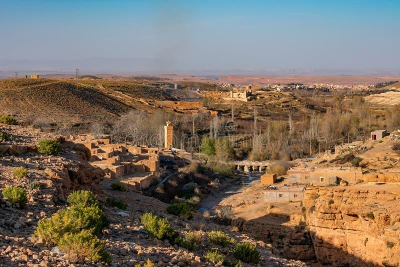 Villaggio rurale in Midelt Marocco fotografia stock libera da diritti