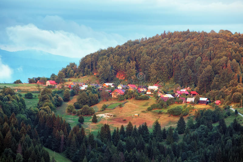 Villaggio in Slovacchia vicino alla città Cadca fotografia stock libera da diritti