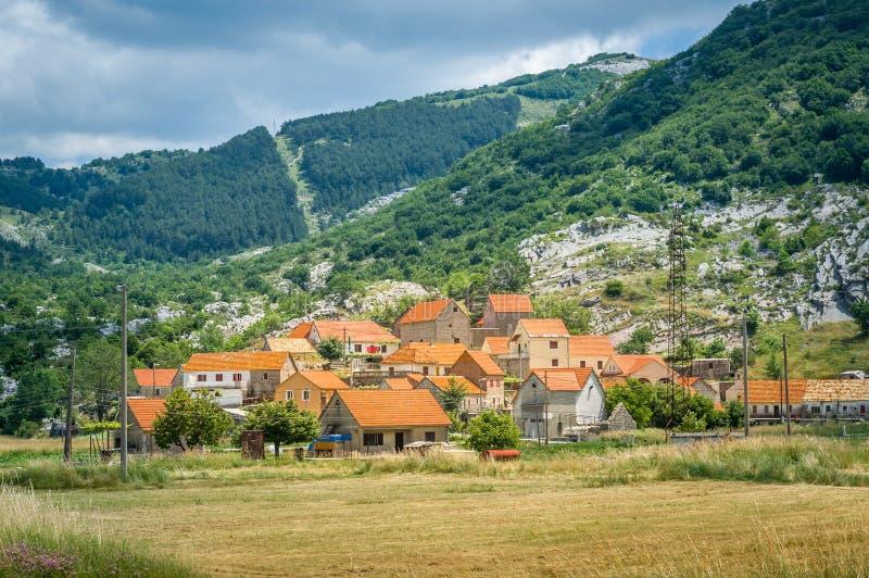 Villaggio storico di Njegusi nel Montenegro fotografia stock