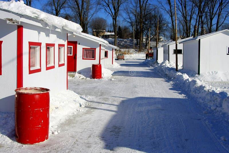 Villaggio su ghiaccio in Stanza-Anne-de-La-Pérade. immagini stock libere da diritti
