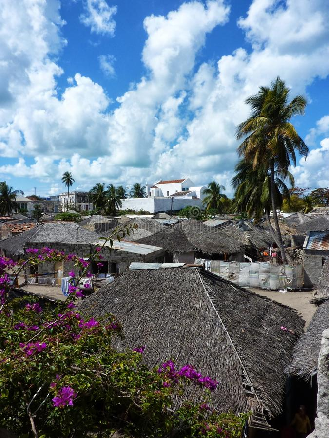 Villaggio sull'isola del Mozambico immagini stock libere da diritti