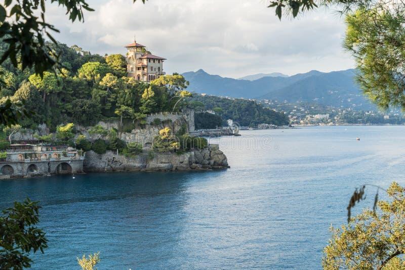 Villaggio sulla costa ligura, Italia di Portofino immagini stock libere da diritti