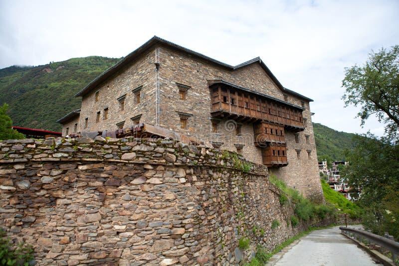 Villaggio tibetano in Sichuan, Cina fotografie stock