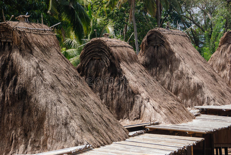 Villaggio tradizionale Bena sul Flores fotografia stock