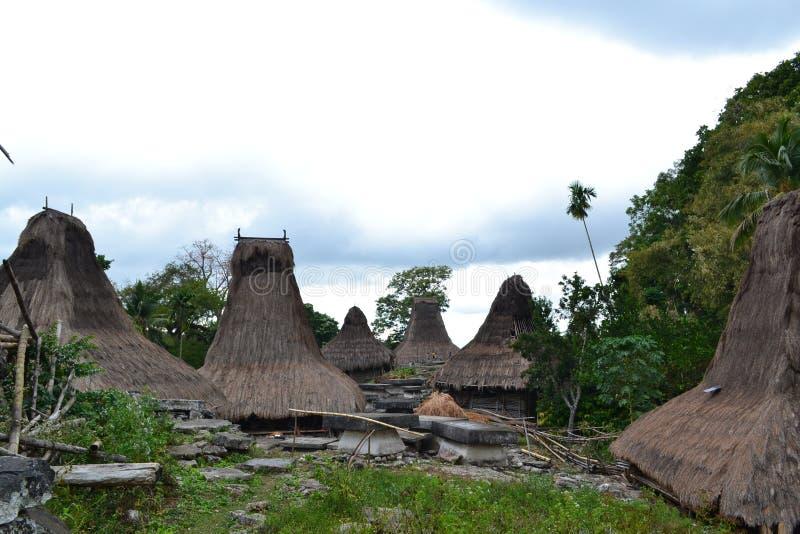 Villaggio tradizionale della gente di Sumbanese fotografie stock libere da diritti