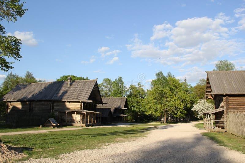 Villaggio in Velikiy Novgorod fotografia stock
