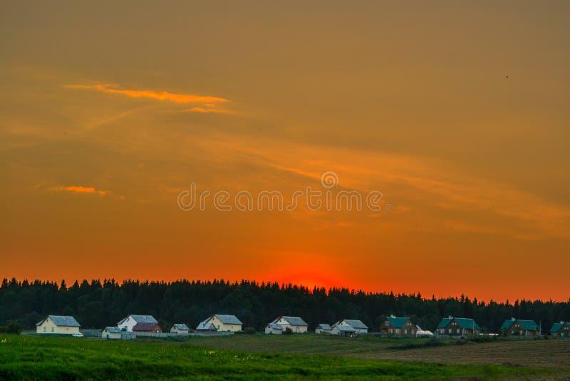 Villaggio verde fotografie stock