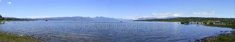 Download Villarica Chile obraz stock. Obraz złożonej z woda, łodzie - 57672971