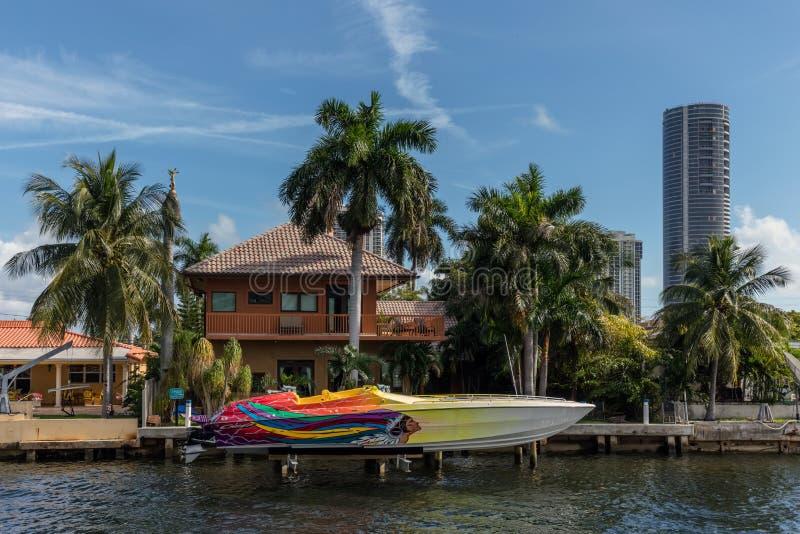 Villas de luxe dans Sunny Isles Beach photo stock