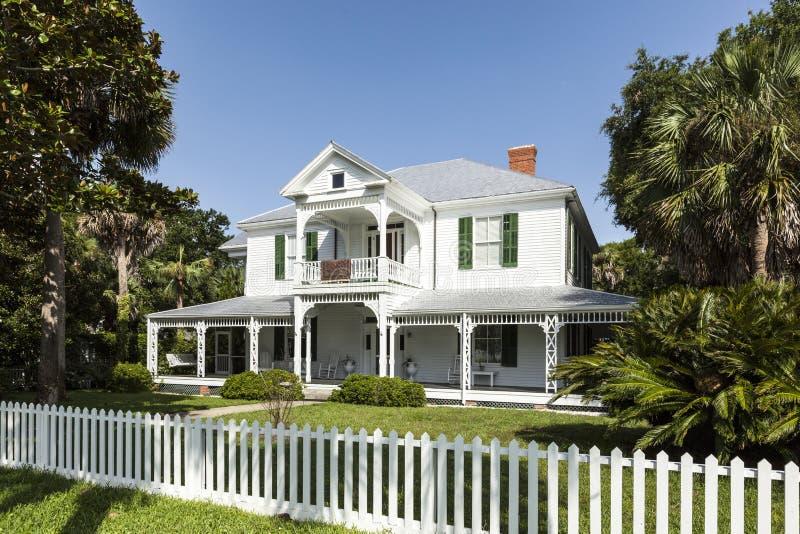 Villas en bois de vieil héritage dans Apalachicola, Etats-Unis photographie stock