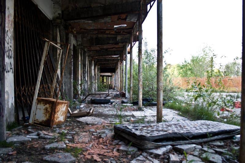 Ville abandonnée d'ordinateur de secours images libres de droits