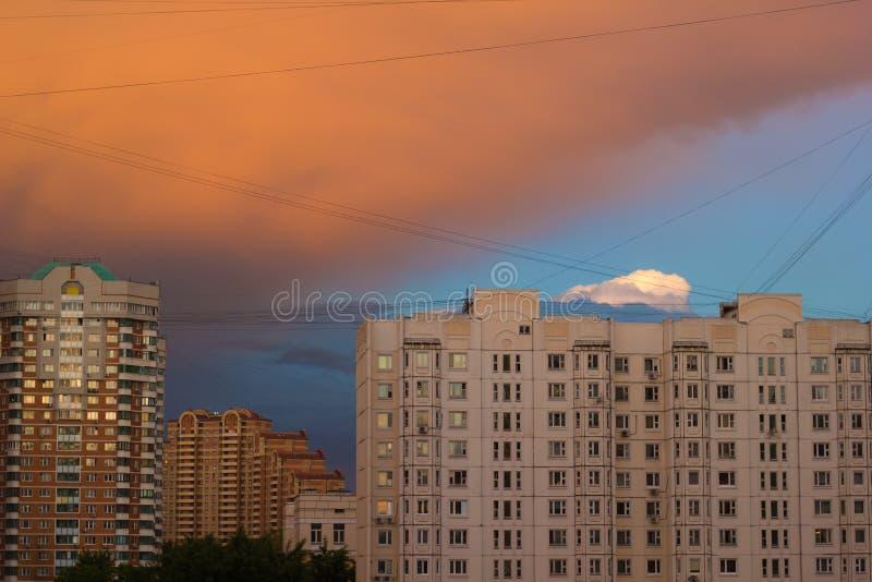 Ville après tempête photos libres de droits