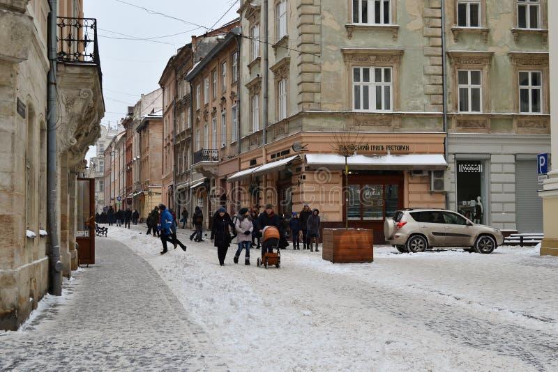 Ville blanche de Lviv Ukraine de neige vieille photographie stock