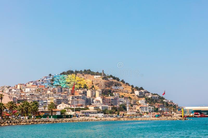 Ville côtière de Kusadasi dans la côte égéenne de la Turquie image stock