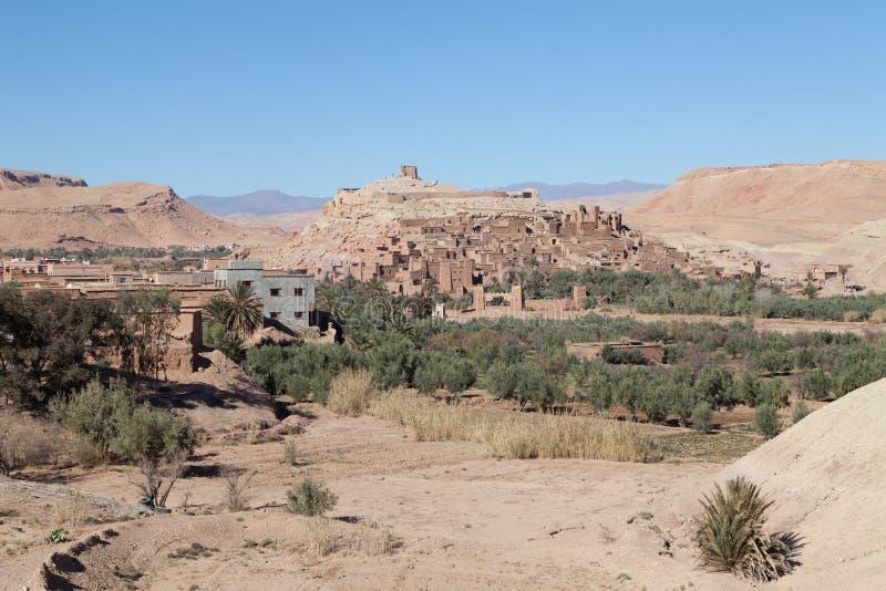 Ville d'Aït Ben Haddou dans le désert du Sahara photos libres de droits