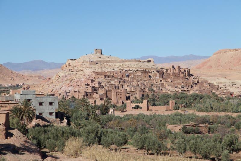 Ville d'Aït Ben Haddou dans le désert du Sahara photo stock