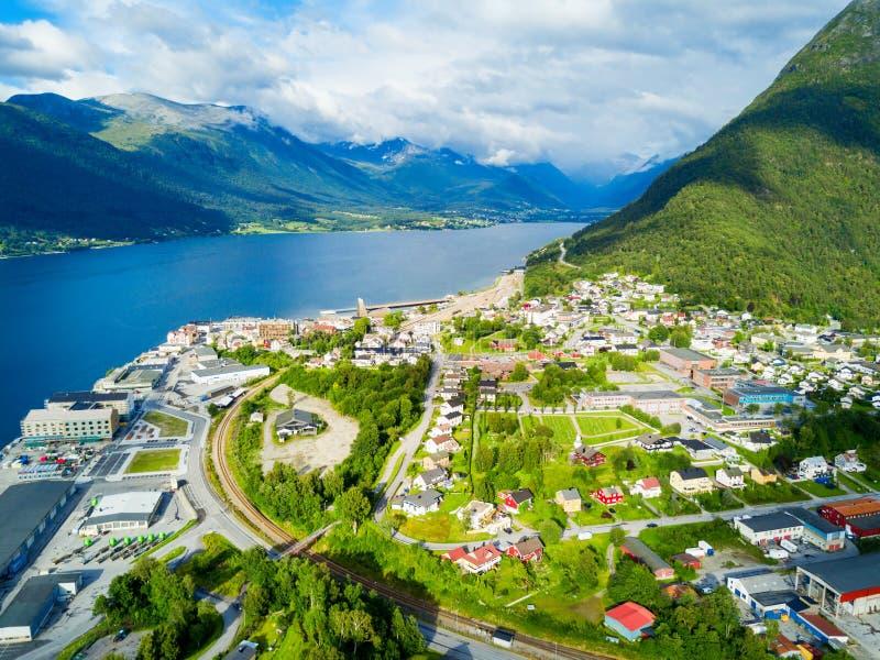 Ville d'Andalsnes en Norvège photo stock
