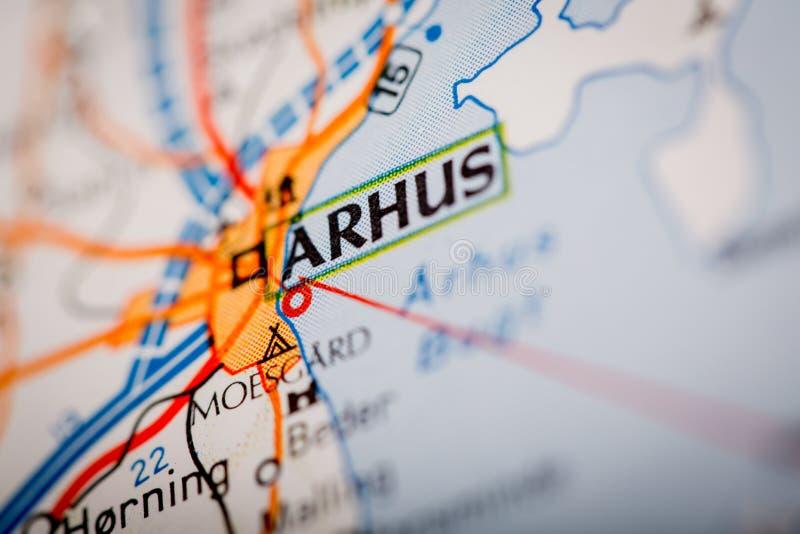 Ville d'Arhus sur une carte de route images libres de droits