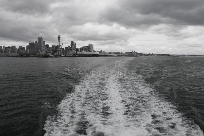 Ville d'Auckland et port, Nouvelle-Zélande images libres de droits