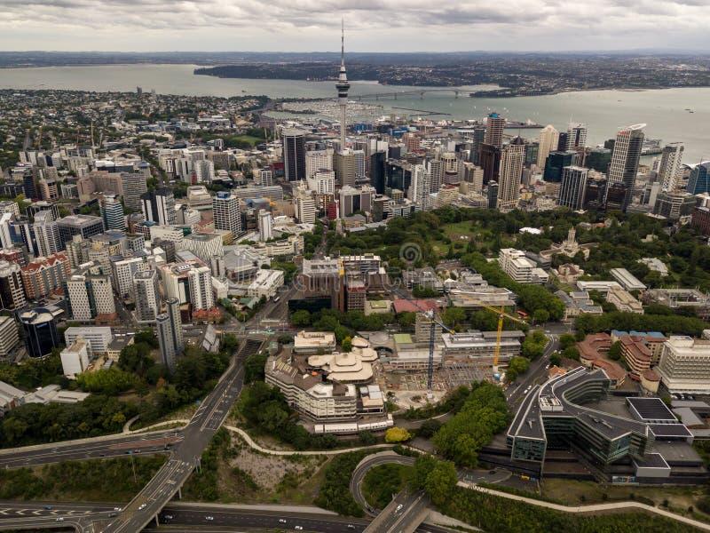 Ville d'Auckland et vue aérienne de Skytower photo libre de droits