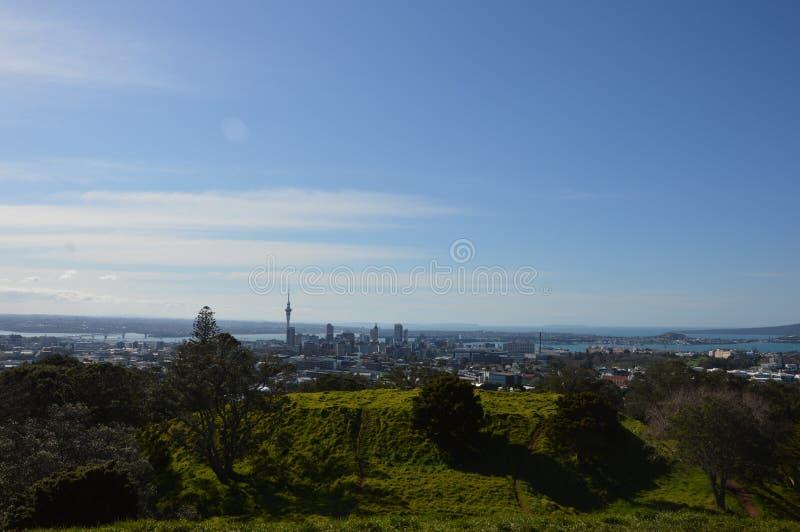 Ville d'Auckland - Volcano Crater Mount Eden Domain image stock