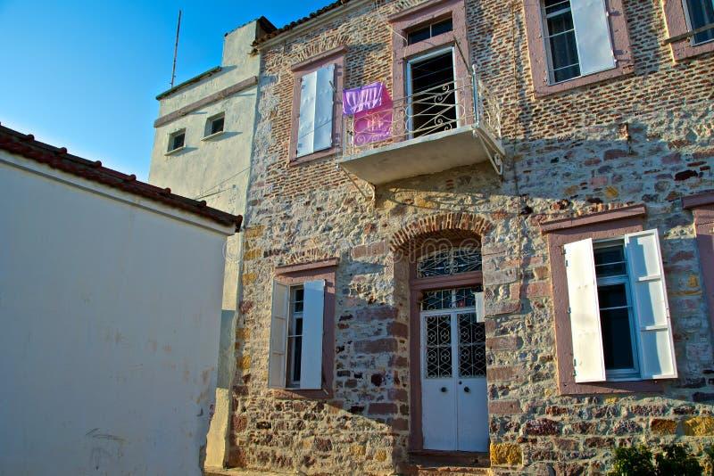 Ville d'Ayvalik, vieilles rues dans Cunda image libre de droits