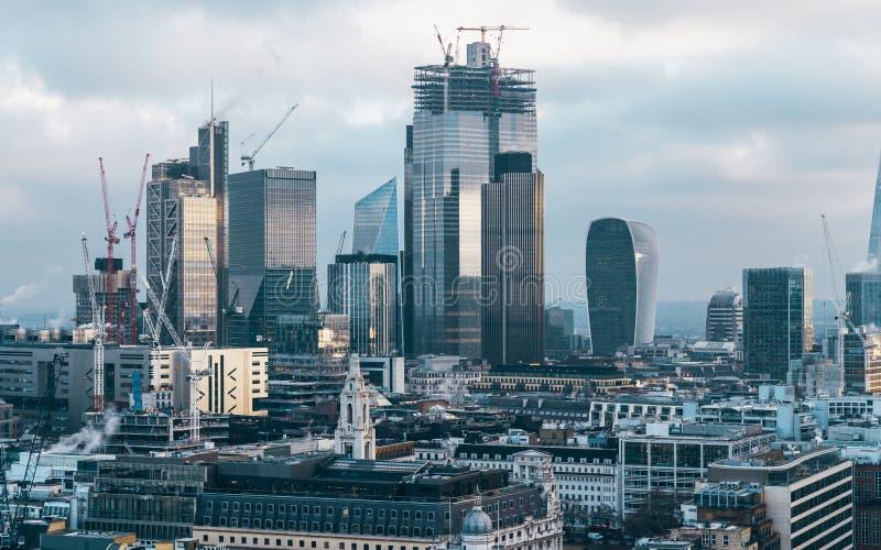 Ville d'horizon financier de secteur de Londres images libres de droits