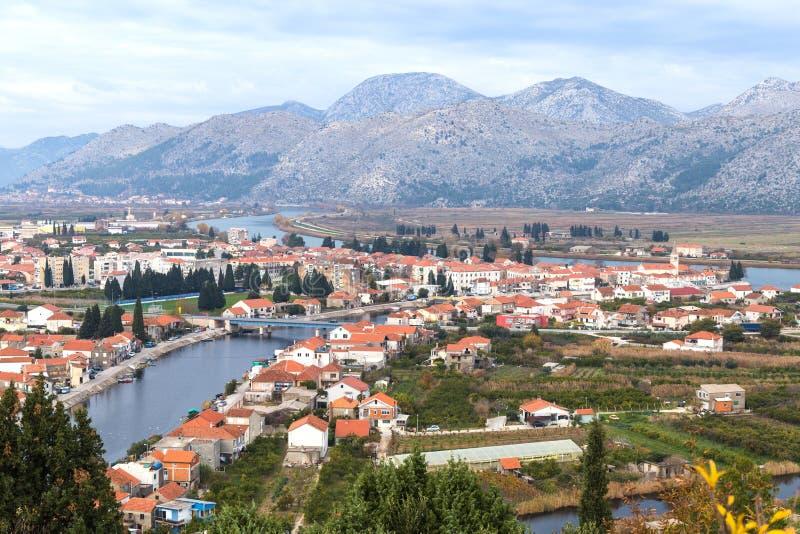 Ville d'Opuzen, Croatie photos libres de droits