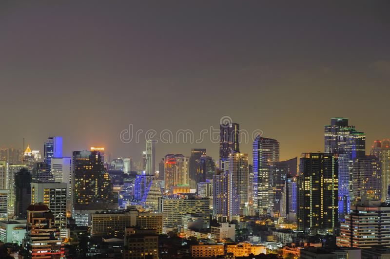 Ville de Bangkok la nuit photos stock