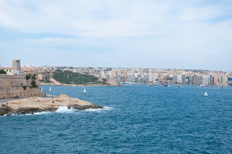 Ville de bord de mer de La Valette à Malte image stock