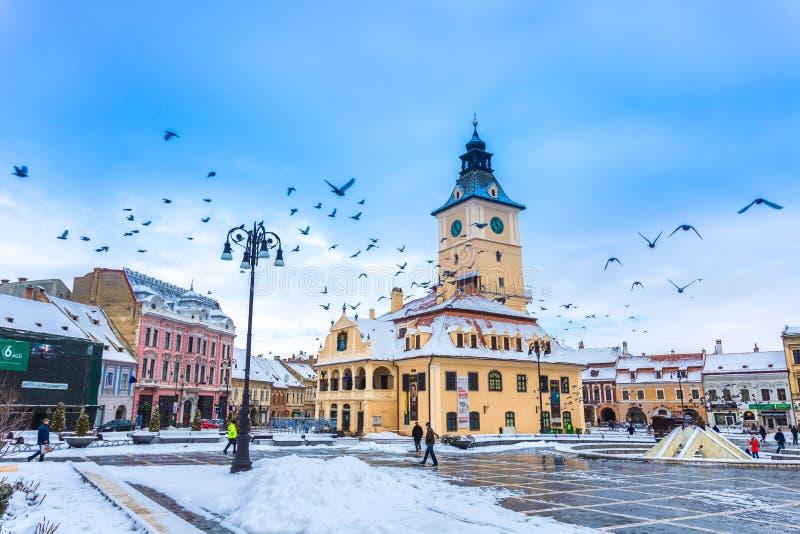 Ville de Brasov dans la saison d'hiver photo libre de droits