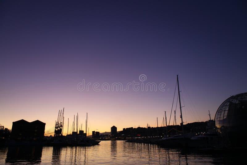 Ville de coucher du soleil image libre de droits