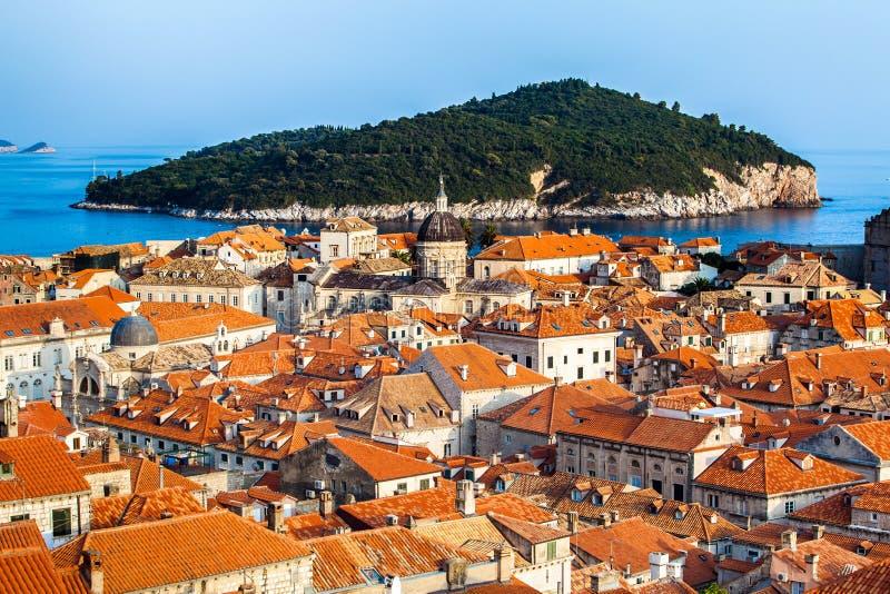 Download Ville De Dubrovnik En Croatie Image stock - Image du maison, cathédrale: 77160977