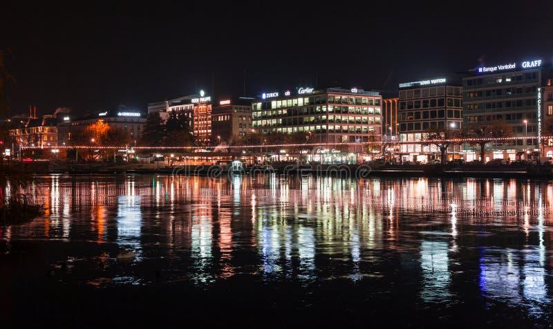 Ville de Gen?ve la nuit photographie stock