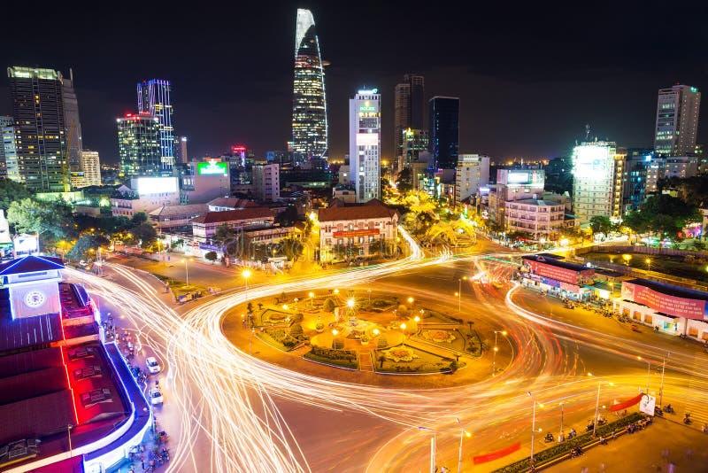 Ville de Ho Chi Minh dans la soirée vietnam image libre de droits
