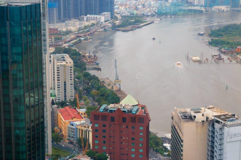 Ville de Ho Chi Minh, Vietnam - décembre 2018 : la vue de ville avec la rivière et les ponts de Skydeck ?? DE ? image libre de droits