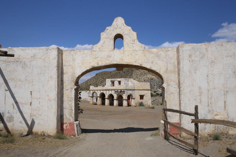 Ville de l'Américain occidental dans le bravo Almeria Andalusia de fort photographie stock