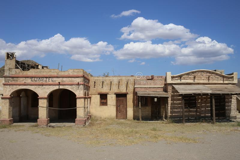 Ville de l'Américain occidental dans le bravo Almeria Andalusia de fort photos stock