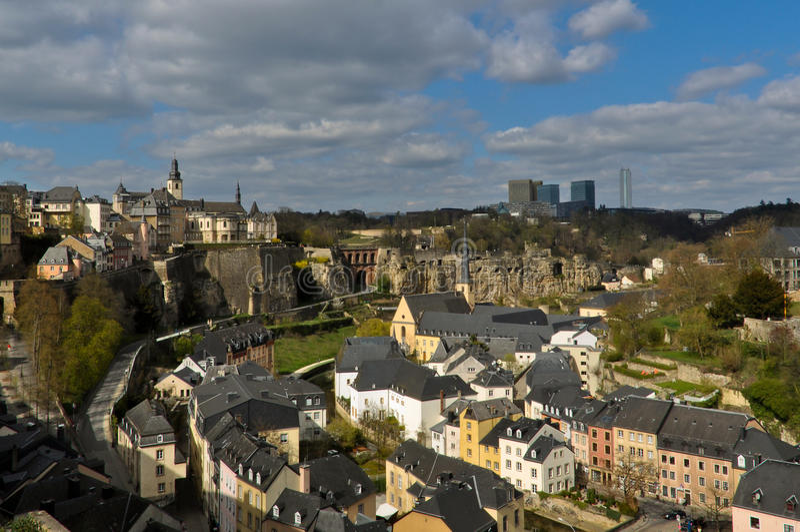 Ville de la ville du luxembourg vieille image stock for Piscine de luxembourg