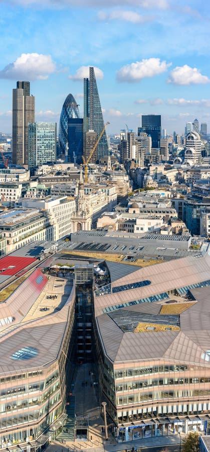Ville de Londres comme vu de la cathédrale de St Paul photo stock