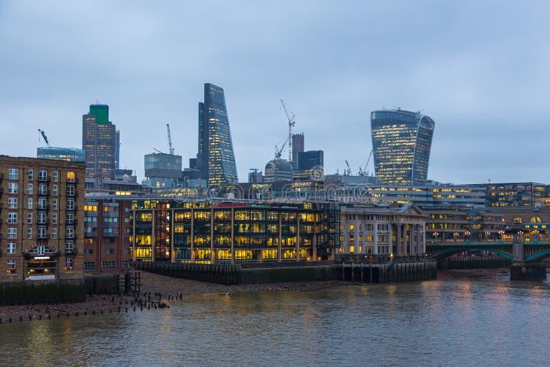 Ville de Londres une des principaux centres des finances globales images stock