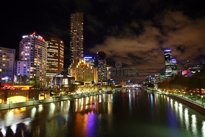 Ville de Melbourne la nuit photo libre de droits