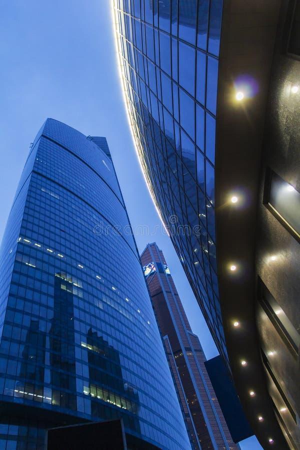 Ville de Moscou - vue sur les gratte-ciel Vue sur les gratte-ciel du plus grand centre d'affaires de Moscou City photographie stock