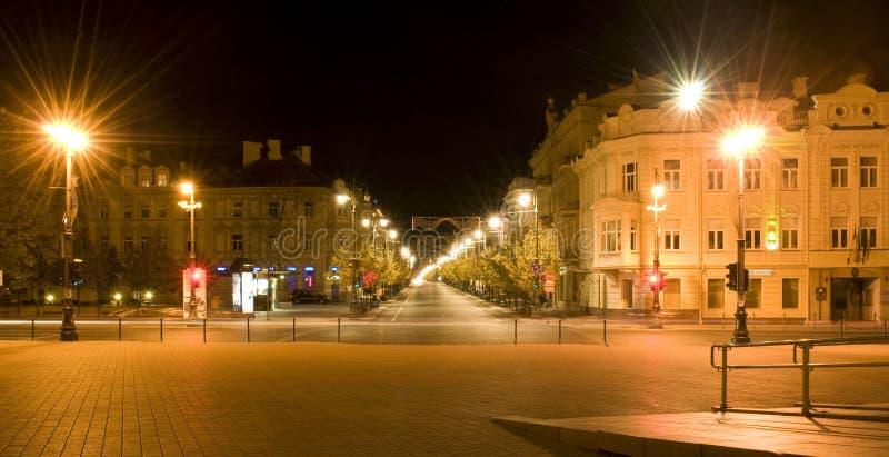 Ville de nuit. Vilnius. La Lithuanie photo stock