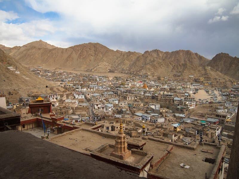 Ville de paysage de ladakh de Lah, Inde images stock