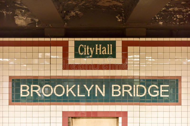 Ville de pont de Brooklyn Hall Subway Station - New York City photo libre de droits