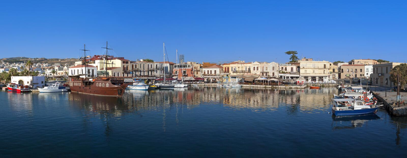 Ville de Rethymnon à l'île de Crète en Grèce photos stock