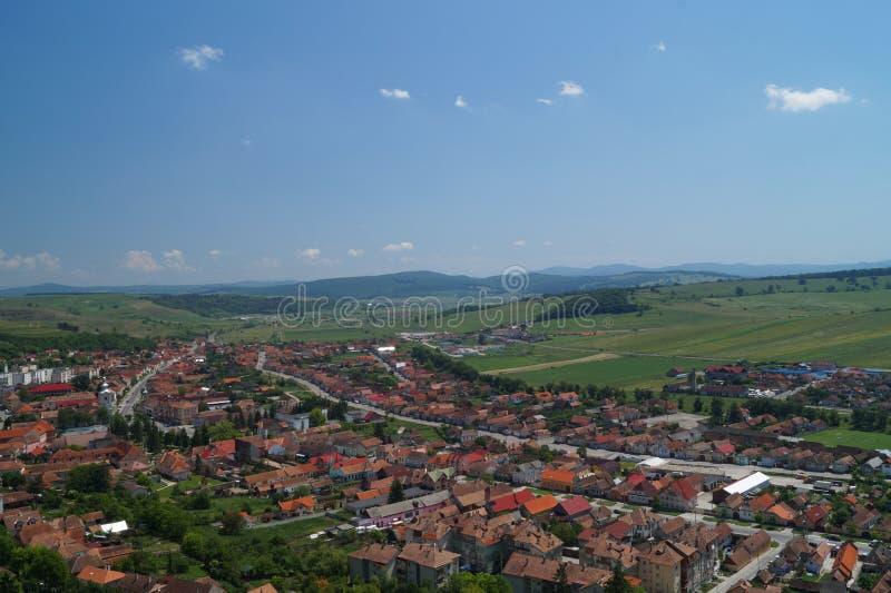 Ville de Rupea de panorama en Transylvanie, Brasov, Roumanie - vue de forteresse de Rupea images libres de droits